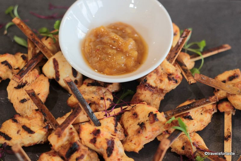 eINDIE Hot chilli relish with chicken skewers