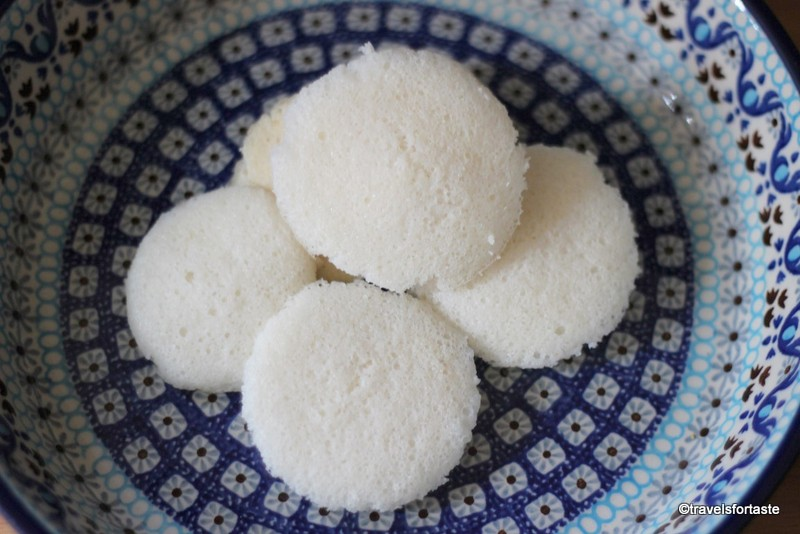 Steamed idli